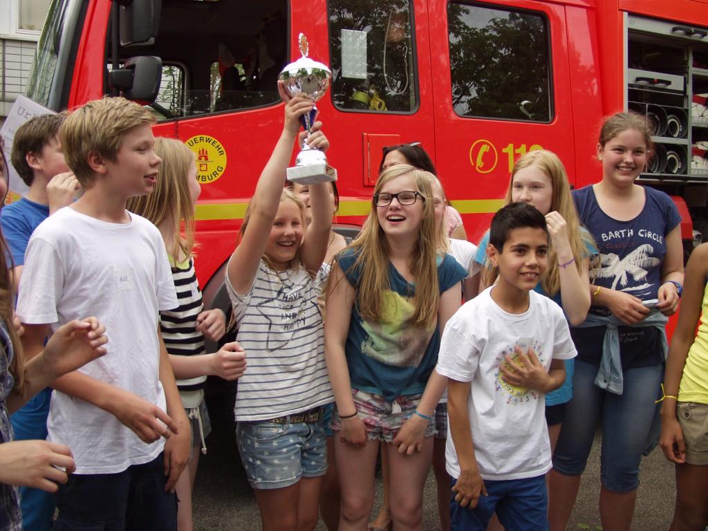 Hier die Siegerklasse des Tauziehens 2013: Herzlichen Glückwunsch, 6a Stadtteilschule!!!